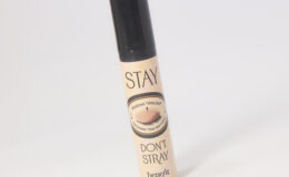 Primer Stay Don't Stray Benefit para sombras e corretivo