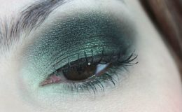 Passo a Passo Maquiagem Verde e Preta