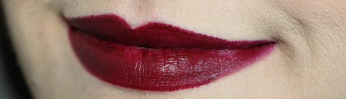 Batom Urban Decay Revolution Lipstick (1)