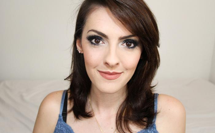 Como fazer maquiagem para balada azul e preta (2)
