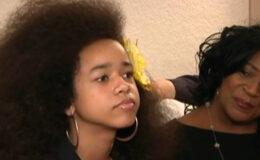 Criança é forçada a alisar o cabelo ou se retirar…