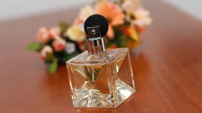 perfume lily essence o boticário (2)