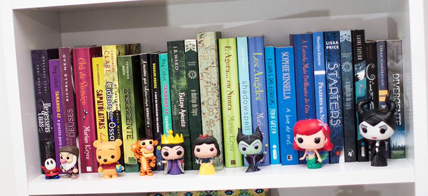 tour-pela-estante-miniaturas-livros (2)