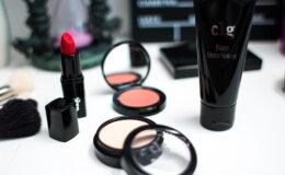 C1g – A nova linha de maquiagem acessível da Contém…