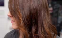 Seus cabelos nunca brilharam tanto – Sleek & Shine Keune