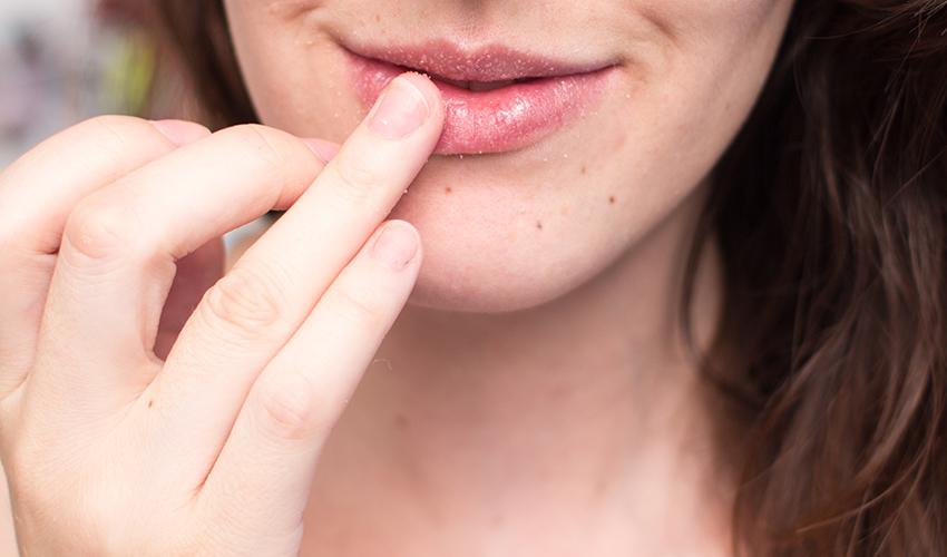 esfoliação nos lábios