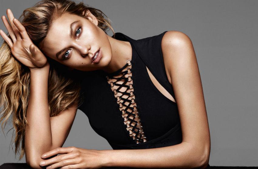A modelo Karlie Kloss apareceu bronzeada em editorial para a Glamour francesa