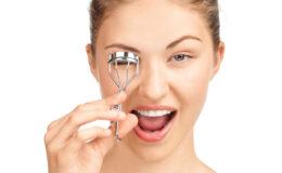 Os acessórios de maquiagem que podem mudar sua vida