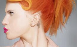 Hayley Williams anuncia sua linha de tintura para cabelos
