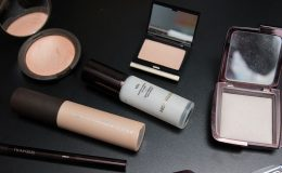 Produtos de beleza e maquiagem na Farfetch