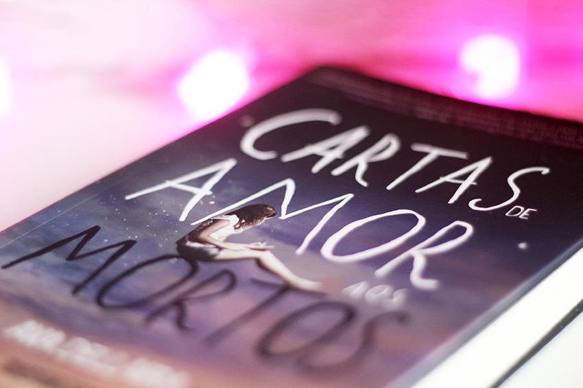 livro-cartas-de-amor-aos-mortos-resenha-blog-e-ai-beleza-02