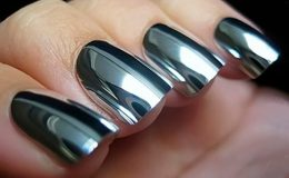 Mirror Nails – A tendência das unhas espelhadas