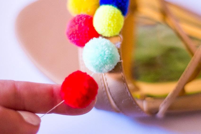DIY-Pompom-Sandals-07