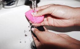 5 funções da Beauty Blender que quase ninguém lembra