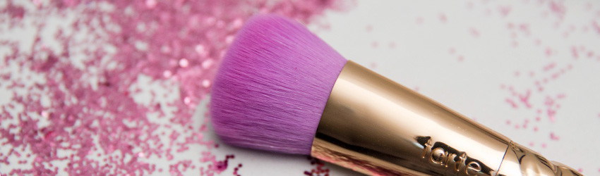 pincéis-de-unicornio-tarte-maquiagem-rainbow-pincel-para-base-02