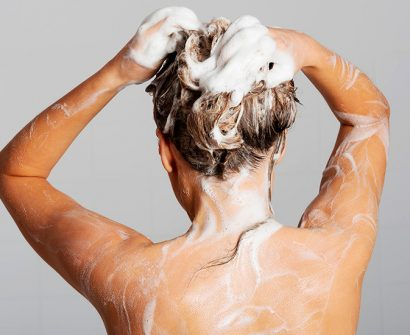 O que é, como funciona e quais os benefícios do shampoo micelar?
