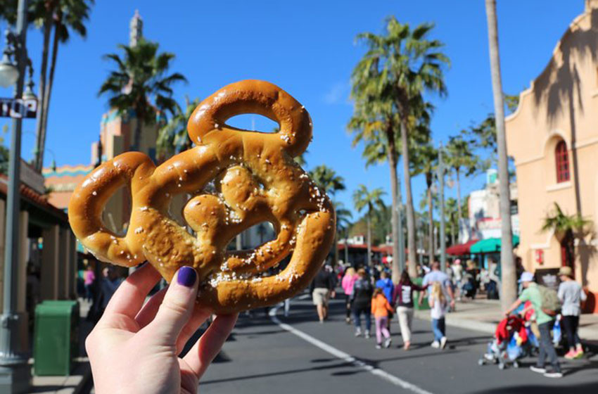 Mickey-Pretzel-5-disney