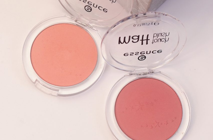 Matt Touch Blush – Essence